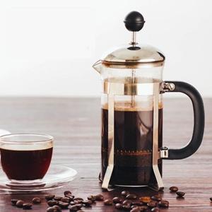صورة لقسم أواني القهوة والشاي