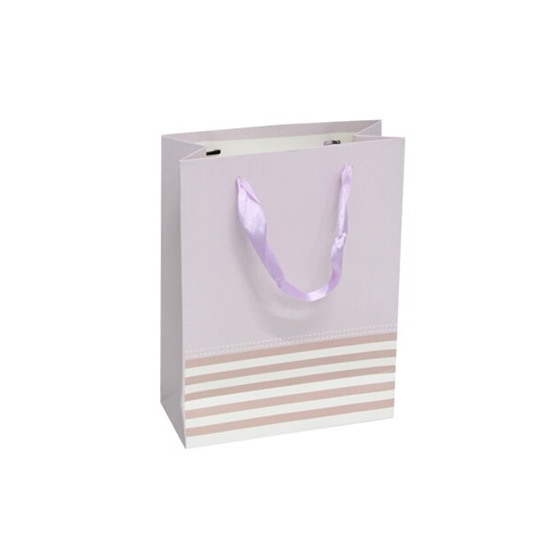 صورة حقيبة هدايا  قياس 18 × 24 × 8 سم