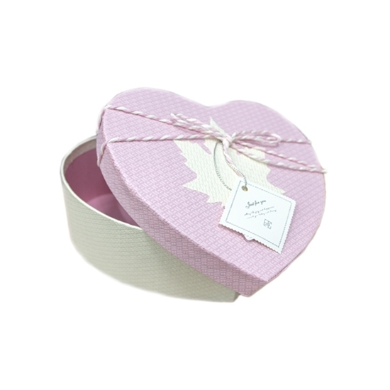 Picture of PINK & WHITE HEART BOX - CM 18 x 17 x 7cm